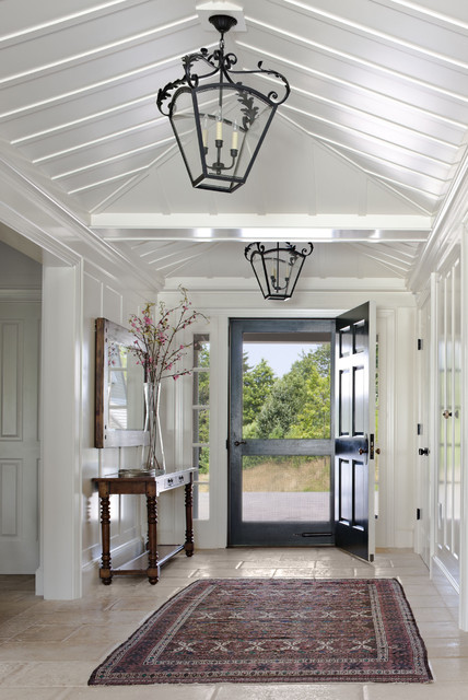 Awesome Farmhouse Entry Design