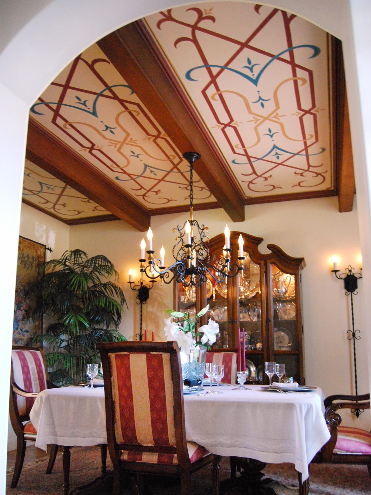 Mediterranean-Dining-Room-With-Decorated-Ceiling