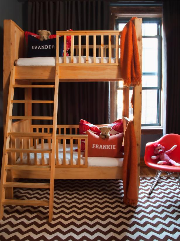 Small-Midcentury-Kids-Room-Design
