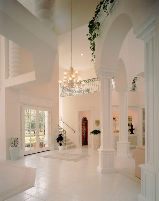 Stylish Luxury Foyer Decorations