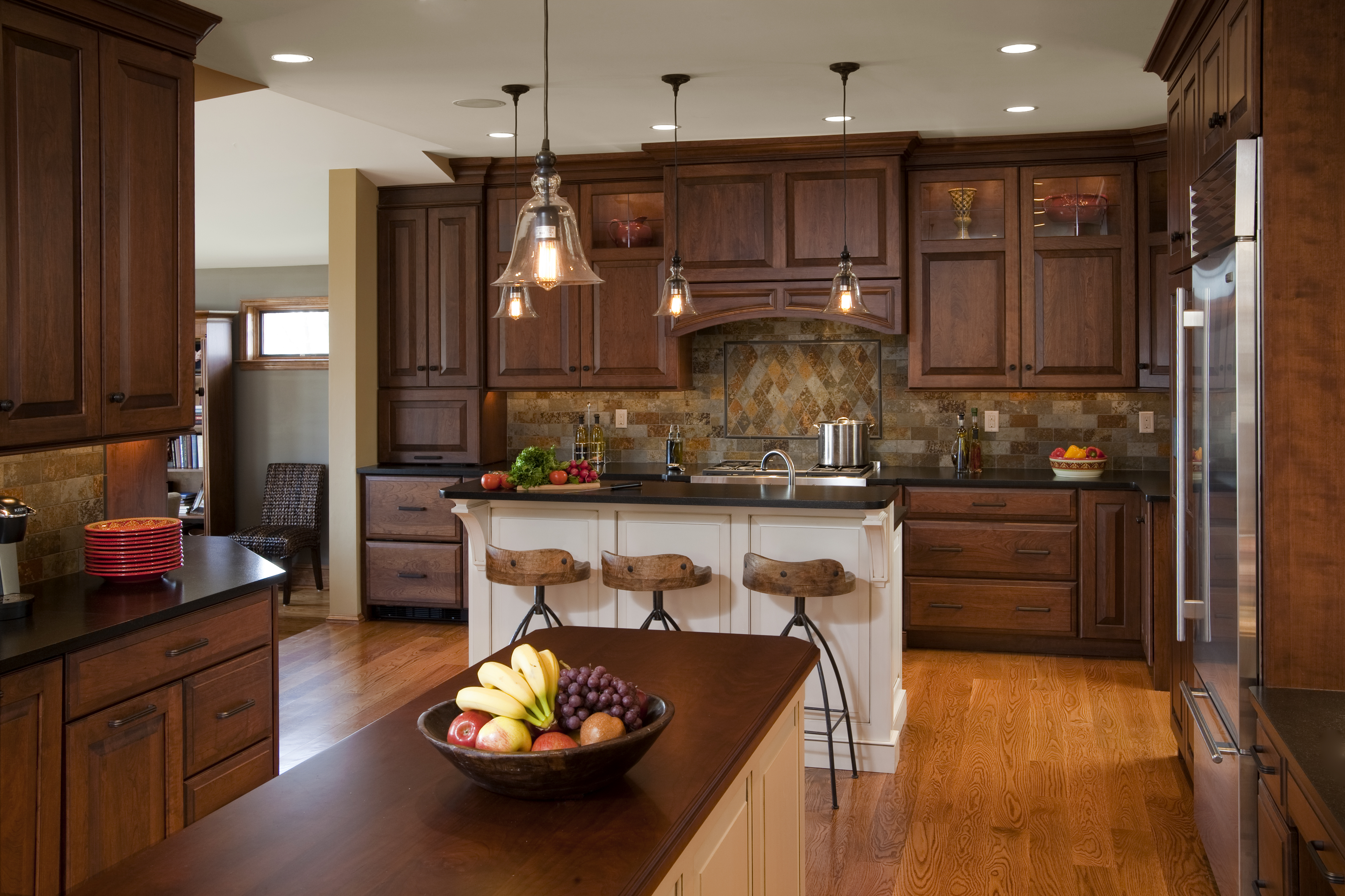 interior decoration pictures kitchen classic and attractive traditional kitchen designs interior vogue 2101
