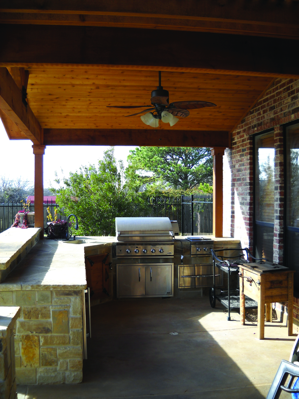 Rustic-Outdoor-Kitchen-Designs