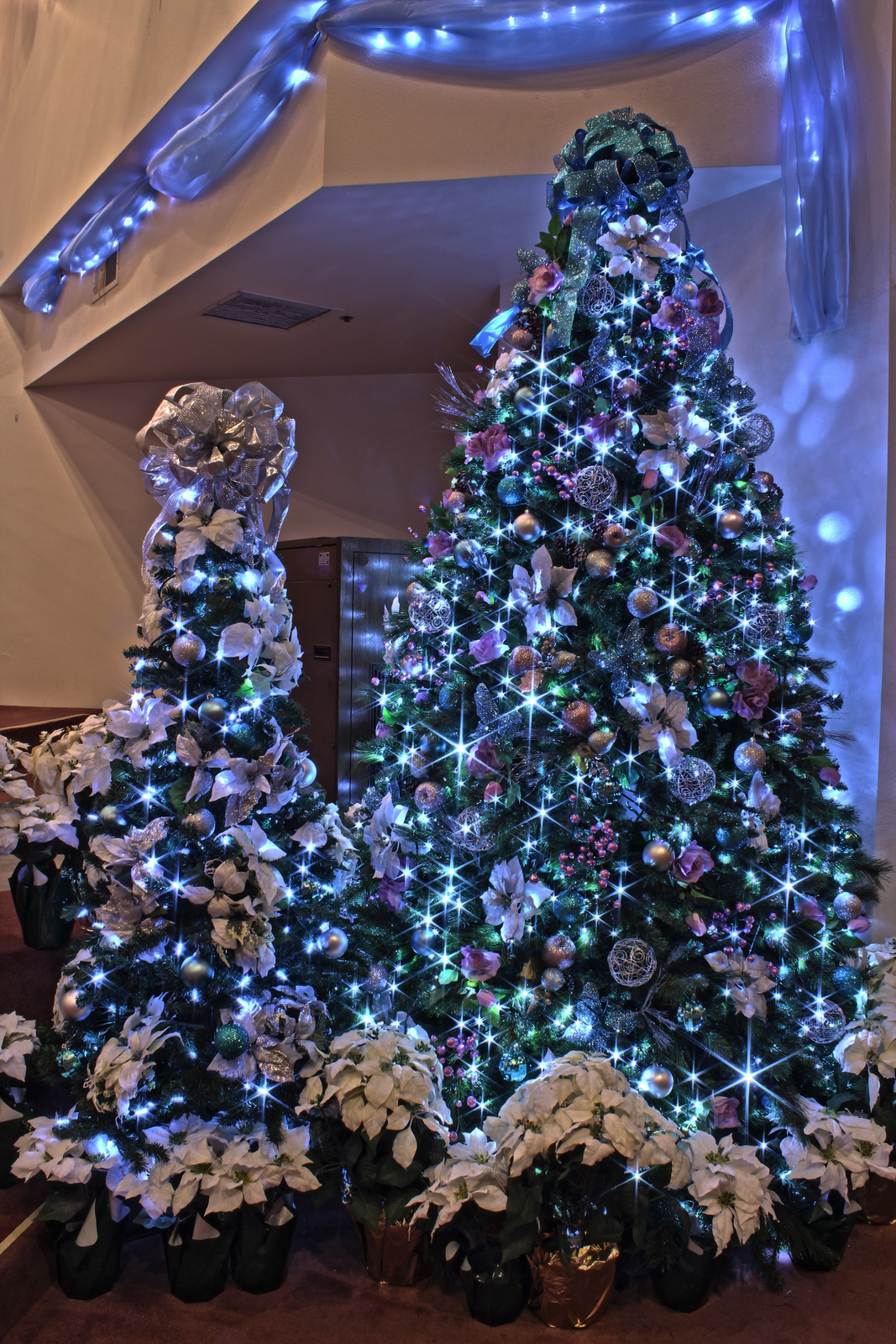 Silver Decorated Christmas Tree Ideas