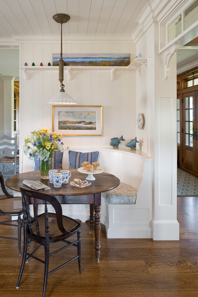 Corner-Craftsman-Dining-Room-Design