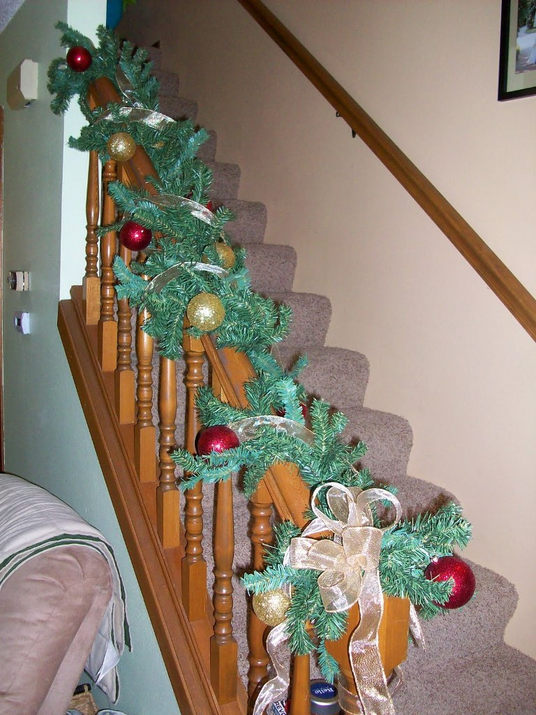 small-apartment-christmas-decorating-ideas