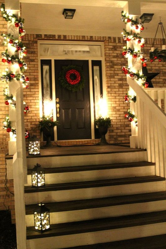 christmas-lights-on-front-porch