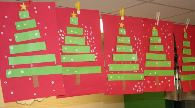 25 marvelous classroom decoration for christmas interior vogue - Christmas Classroom Decorations