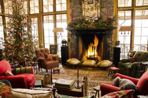 23 Outstanding Christmas Living Room Decor Ideas